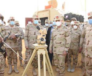 الفريق محمد فريد يشهد المرحلة الرئيسية لمشروع مراكز قيادة خارجي لإحدى تشكيلات المنطقة المركزية العسكرية