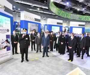 الرئيس يفتتح معرض تكنولوجيا تحويل وإحلال المركبات للعمل بالطاقة النظيفة.. صور
