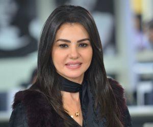 رواد السوشيال ميديا يحتفون بالفنانة دينا فؤاد بعد تصدرها الترند الأول فى مصر