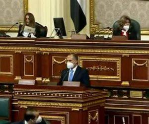 للمرة الرابعة.. مقرر الجلسة الافتتاحية للبرلمان يطالب النواب بارتداء الكمامة