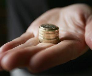 «الفكة» في السوق.. إنتاج أكثر من مليون جنيه يوميًا وتوزيع 30 مليون شهريًا