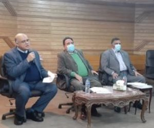 """اتحاد عمال مصر يقرر رفع دعوى قضائية عاجلة لوقف قرار تصفية """"الحديد والصلب"""""""