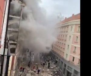 اللحظات الأولى بعد وقوع انفجار ضخم في العاصمة الإسبانية مدريد (فيديو وصور)