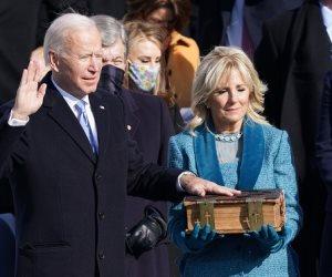 بايدن يؤدي القسم رئيسا للولايات المتحدة