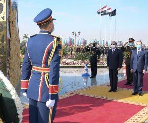 وزير الداخلية يقدم هدية للرئيس عبد الفتاح السيسي في عيد الشرطة