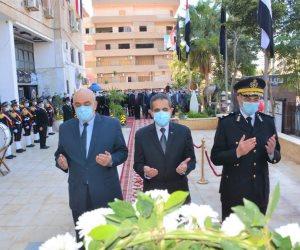 عيد الشرطة الـ69.. المحافظون ومدراء الأمن يضعون أكاليل الزهور على النصب التذكارية للشهداء