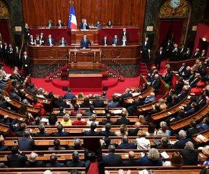أثار الجدل ما بين مؤيد ومعارض.. «الشيوخ» الفرنسي يقر قانون يسمح بممارسة الجنس بداية من 13 عاما