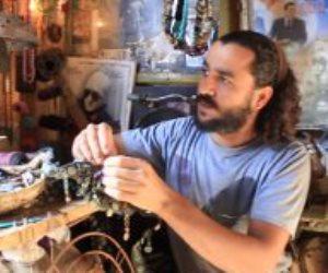 """فنان الروبابيكيا.. وليد يكتشف الفن في البقايا والمخلفات ويرفع شعار """"إحياء التراث"""""""