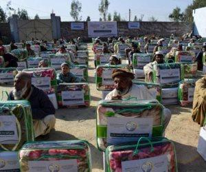 رابطة العالم الإسلامي تدشن مشروع كسوة الشتاء في باكستان