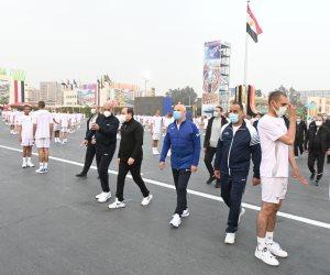 الرئيس السيسي يتفقد الأنشطة التدريبية للطلبة الجدد بالكلية الحربية ويلتقى أسرهم