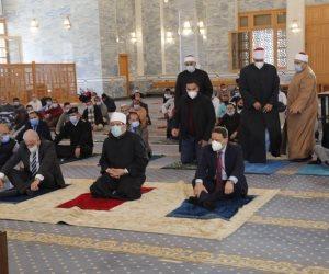 من مسجد السلام.. جمعة وجبر وفودة والشوربجي يؤدون صلاة الجمعة في شرم الشيخ