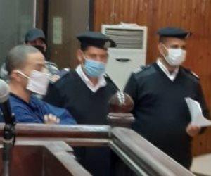 ننشر الصور الأولى من محاكمة سفاح الجيزة المتهم بقتل زوجته