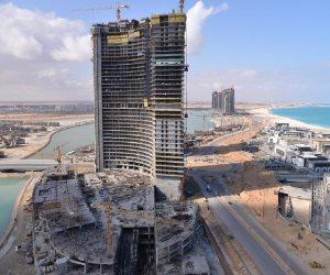 الحكومة: إنهاء الهيكل الخرساني لـ15 برجا في المنطقة الشاطئية بالعلمين الجديدة