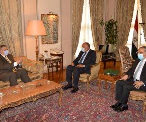 سامح شكري يبحث مع المبعوث الأممي الخاص إلى ليبيا تطورات الأزمة الليبية