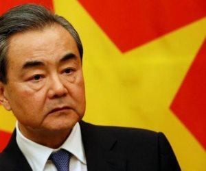 وزير خارجية الصين يهنىء أبو الغيط لإعادة انتخابه أمينا عاما للجامعة العربية