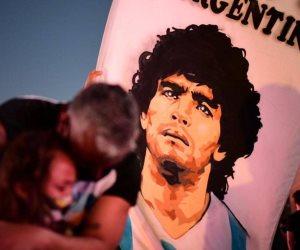 """الأرجنتينيون يطلبون العدالة.. من قتل """"مارادونا""""؟"""