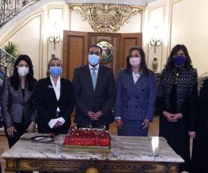 مجلس الوزراء يحتفل بالوزيرات بمناسبة يوم المرأة المصرية (صور)