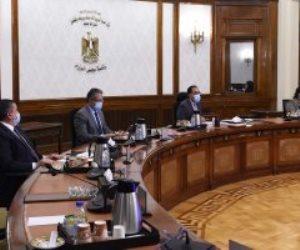 رئيس الوزراء يلتقى رئيس لجنة الثقافة والإعلام والآثار بمجلس النواب