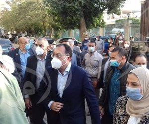 مدبولى: الرئيس وجه بتوفير طائرة لنقل الحالات الحرجة بحادث قطارى سوهاج للقاهرة