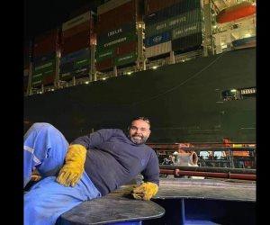 صاحب صورة النصر أثناء تعويم السفينة الجانحة: المصريون قادرون على فعل أى شيء