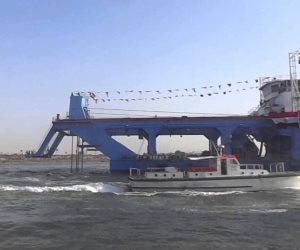 طولها 147.4 مترا بعمق تكريك 35 مترا.. الكراكة مهاب مميش تصل بحيرات الإسماعيلية وتبدأ التعويم
