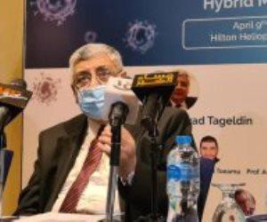 اللقاحات لا تعطي مناعة كاملة.. مستشار الرئيس للصحة يدعو للالتزام بإجراءات الوقاية ضد كورونا