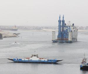 تعويم الكراكة مهاب مميش وإنزالها فى بحيرات الإسماعيلية