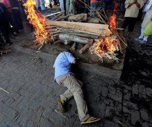 الأمانة العامة لدور الإفتاء العالمية: لا يجوز حرق جثث المتوفين بكورونا