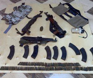 أول صور للأسلحة المضبوطة مع الإرهابيين المتورطين بقتل المواطن نبيل حبشي