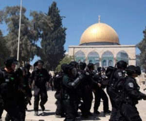 """قوات الاحتلال تقتحم مصلى قبة الصخرة واستمرار المواجهات بباحات """"الأقصى"""""""
