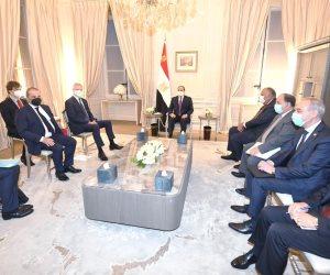 الرئيس السيسى يؤكد أهمية توطين الصناعة ونقل التكنولوجيا بالمشروعات مع فرنسا