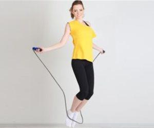 منها زيادة التركيز وتحسين صحة القلب.. تعرف على فوائد رياضة نط الحبل