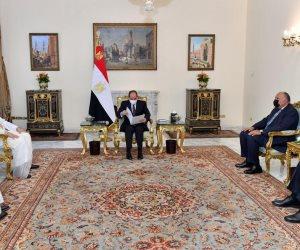 أمير قطر يدعو الرئيس السيسى لزيارة الدوحة والتطلع لتعزيز التباحث بين البلدين حول سبل تطوير العلاقات الثنائية.