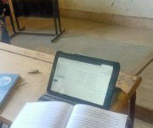 وزارة التعليم .. لطلاب الثانوية العامة: حل امتحانات المواد غير المضافة للمجموع من المنزل