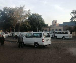 الجيزة تشن حملات لتنظيم تواجد سيارات السرفيس بمنطقة مقار