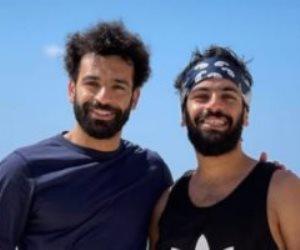 20 إطلالة مع المشاهير ترصد إجازة محمد صلاح في مصر