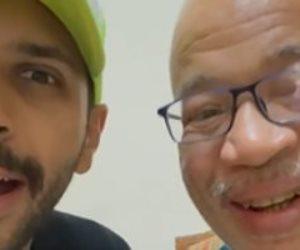 شريف دسوقي من المستشفى: كلها أيام وهرجعلكم (فيديو)