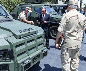 الرئيس السيسي يتفقد المركبات المدرعة متعددة المهام تصنيع القوات المسلحة