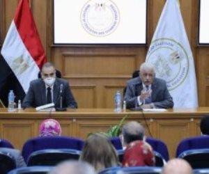 وزير التعليم يلتقى أولياء أمور مدارس النيل ويؤكد اهتمام القيادة السياسية بالمشروع