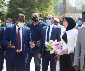 وفد تنسيقية شباب الأحزاب والسياسيين يتابع امتحانات الشهادة الثانوية السودانية بمصر