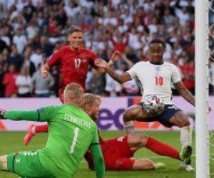 منتخب إنجلترا يتعادل أمام الدنمارك فى الدقيقة 39 بالنيران الصديقة.. فيديو