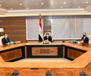 الرئيس السيسى يطلع على مشروع اقامة مجمع للبتروكيماويات في المنطقة الاقتصادية لمحور قناة السويس