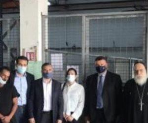 مساعد وزير الخارجية يستقبل جثامين المصريين ضحايا حرائق قبرص.. صور