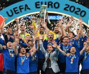 ما بين الحزن والفرح.. هؤلاء العشرة نجوم يورو 2020