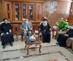 وفد من مطرانية العريش يقدم التهنئة لمحافظ شمال سيناء بعيد الأضحى المبارك (صور)