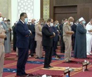 بحضور الرئيس السيسي.. بدء صلاة العيد بمسجد الماسة بالعلمين الجديدة