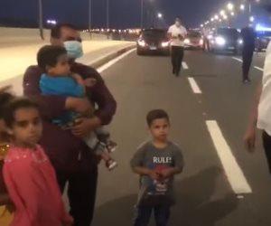 """الرئيس السيسي لـ""""رب أسرة"""" في العلمين: الإيد الشقيانة فيها البركة"""