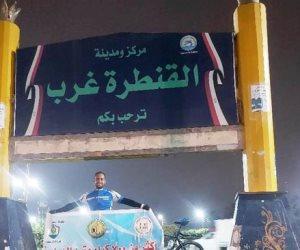 """""""سيناء آمنة"""".. لافتة تطوف 4 محافظات يحملها شاب سيناوي: قطع مسافة 700 كيلو بدراجة هوائية (ًصور)"""