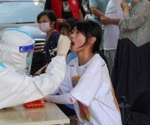 """بعد عام من نجاحها في احتواء أثار كورونا.. الصين تفرض قيود علي السفر من جديد بسبب فيروس"""" دلتا"""" المتحور"""