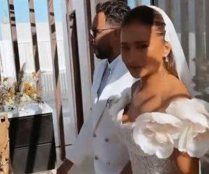 باللون الأبيض .. اللحظات الاولي لزفاف نيللي كريم وهشام عاشور في الساحل الشمالي.. فيديوا
